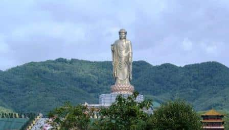 Statue of Spring Temple Buddha china